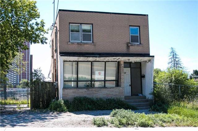 pictures of 49 Church St, Toronto M9N1M9