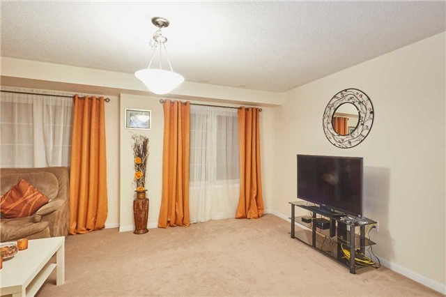 50 Memory Lane Brampton L7a 0v9 3 Bedroom Att Row