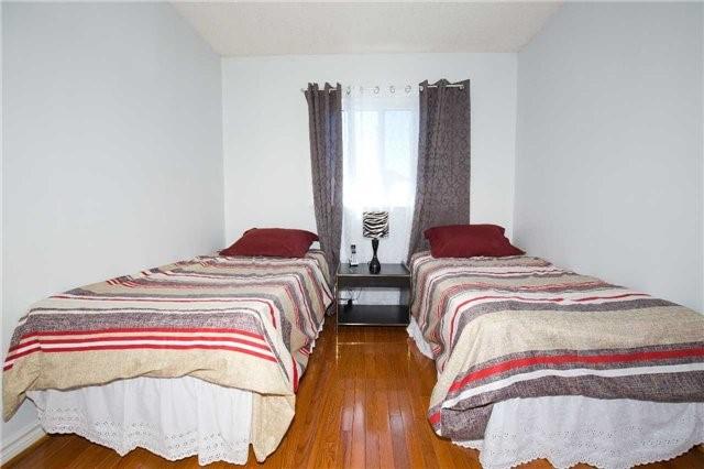 67 Arthurs Cres Brampton L6y4y3 4 Bedroom Detached 2