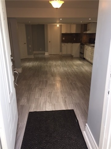 pictures of 202 Cresthaven Rd, Brampton L7A1G5