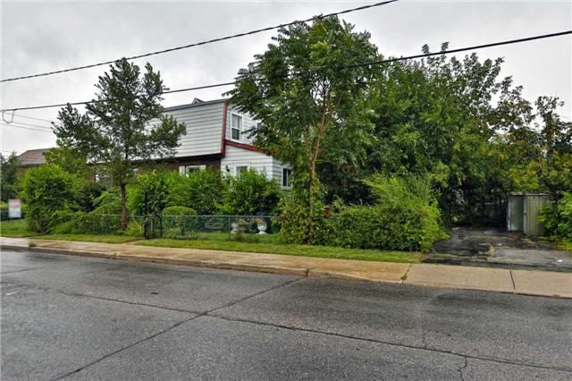 pictures of 41 Castleton Ave, Toronto M6N3Z7