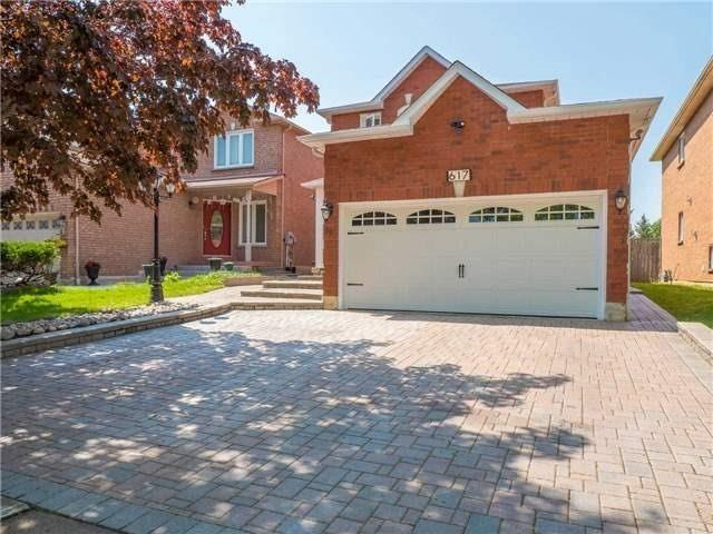 pictures of 617 Four Winds Way, Mississauga L5R3M4