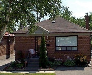 pictures of 10 Maple Ave N, Mississauga L5H2S1