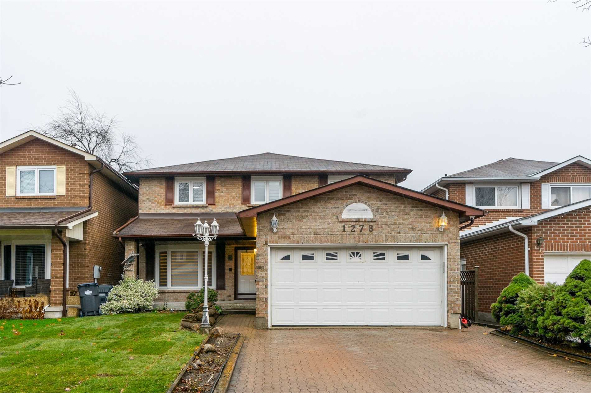 pictures of 1278 Dexter Cres, Mississauga L5G4R6