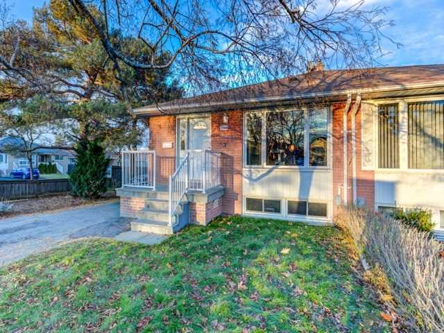 pictures of 1782 Sandgate Cres, Mississauga L5J2E8
