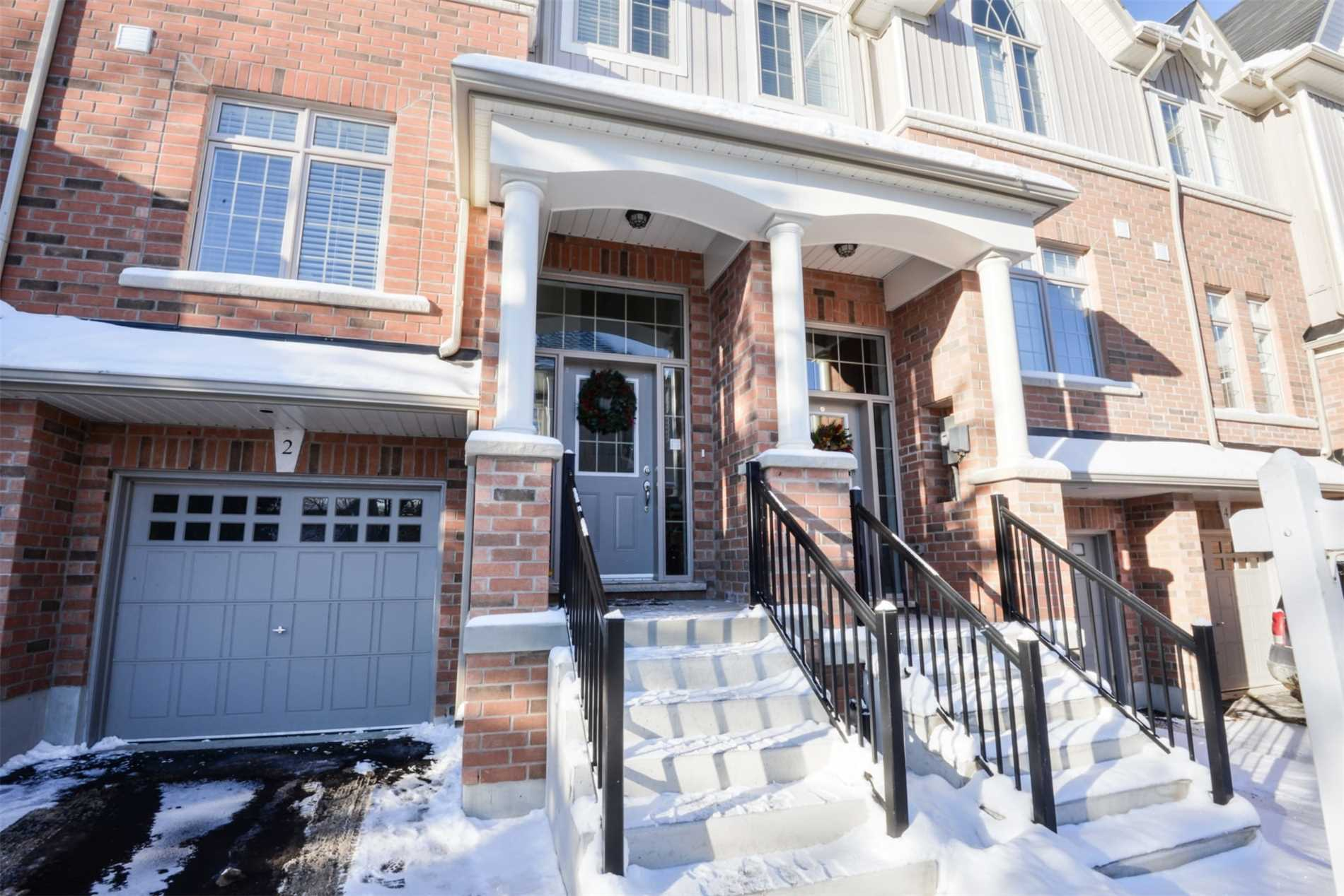 pictures of 60 First St, Orangeville L9W2E4
