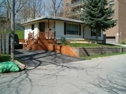 pictures of 194 Wyndham St, Mississauga L5M1N5