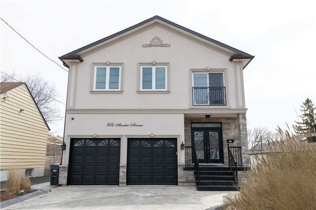 pictures of 854 Atwater Ave, Mississauga L5E 1L9