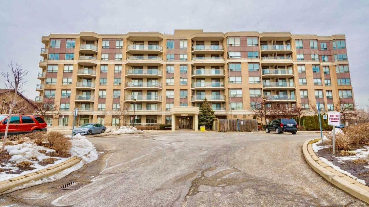 pictures of 300 Ray Lawson Blvd, Brampton L6Y5H5