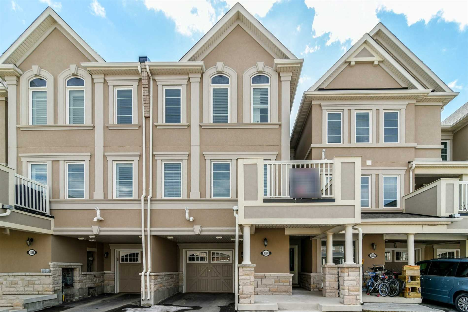 pictures of 3088 Gardenia Gate, Oakville L6M0Y7