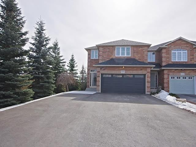 pictures of house for sale MLS: W4385347 located at 2004 Erika Crt, Oakville L6M 4R4