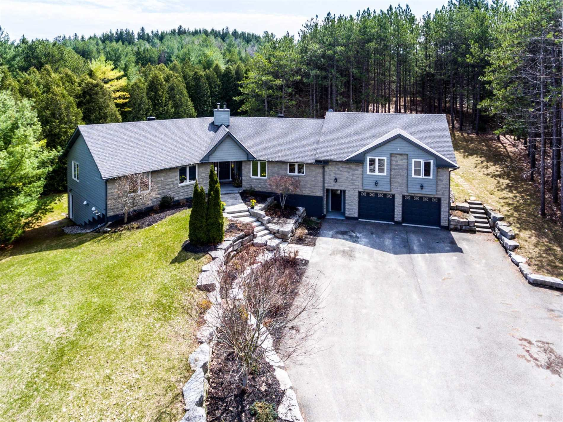 pictures of 1 High Crest Rd, Caledon L7E0C2