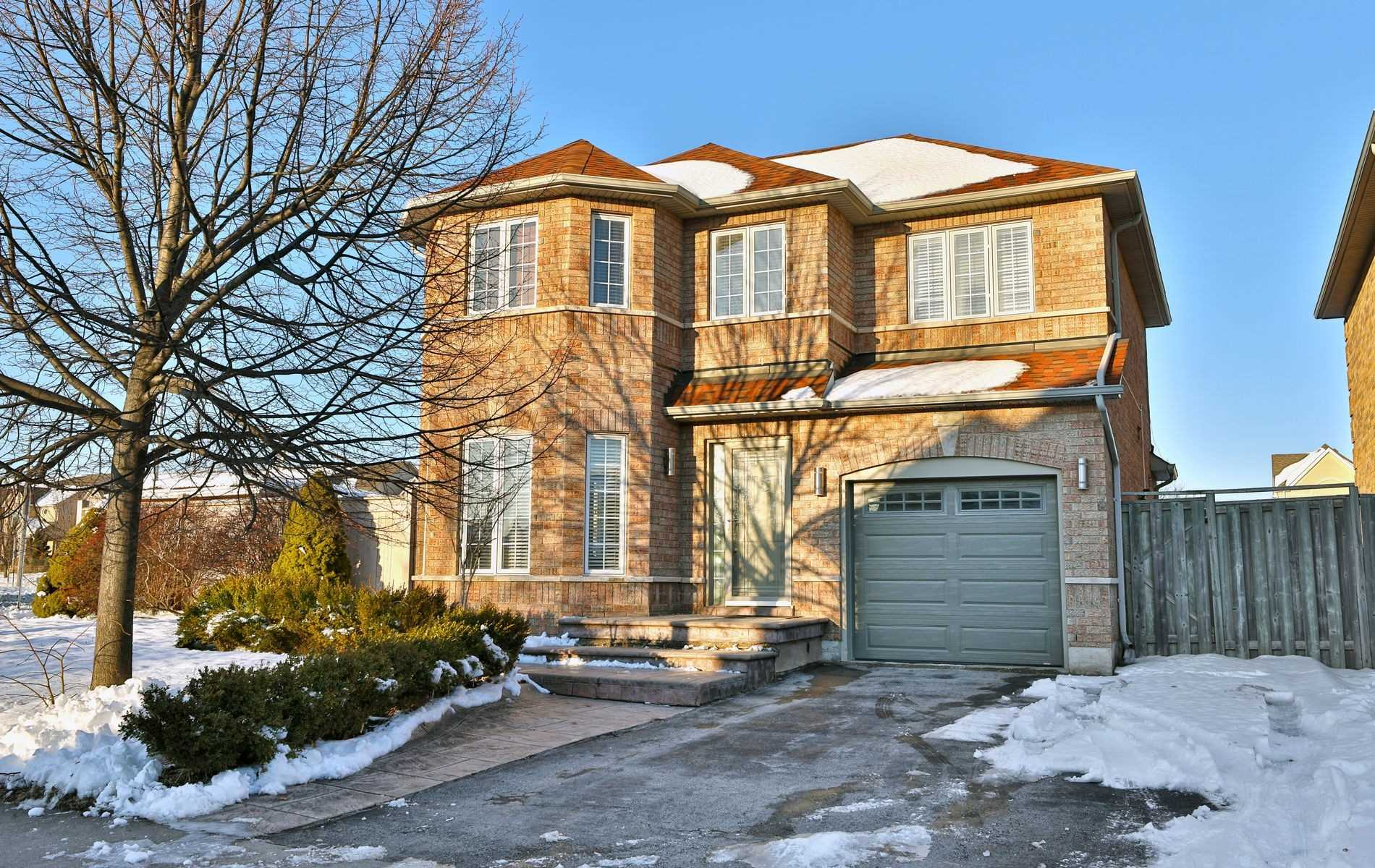 pictures of house for sale MLS: W4672773 located at 2163 Village Squire Lane, Oakville L6M3W8