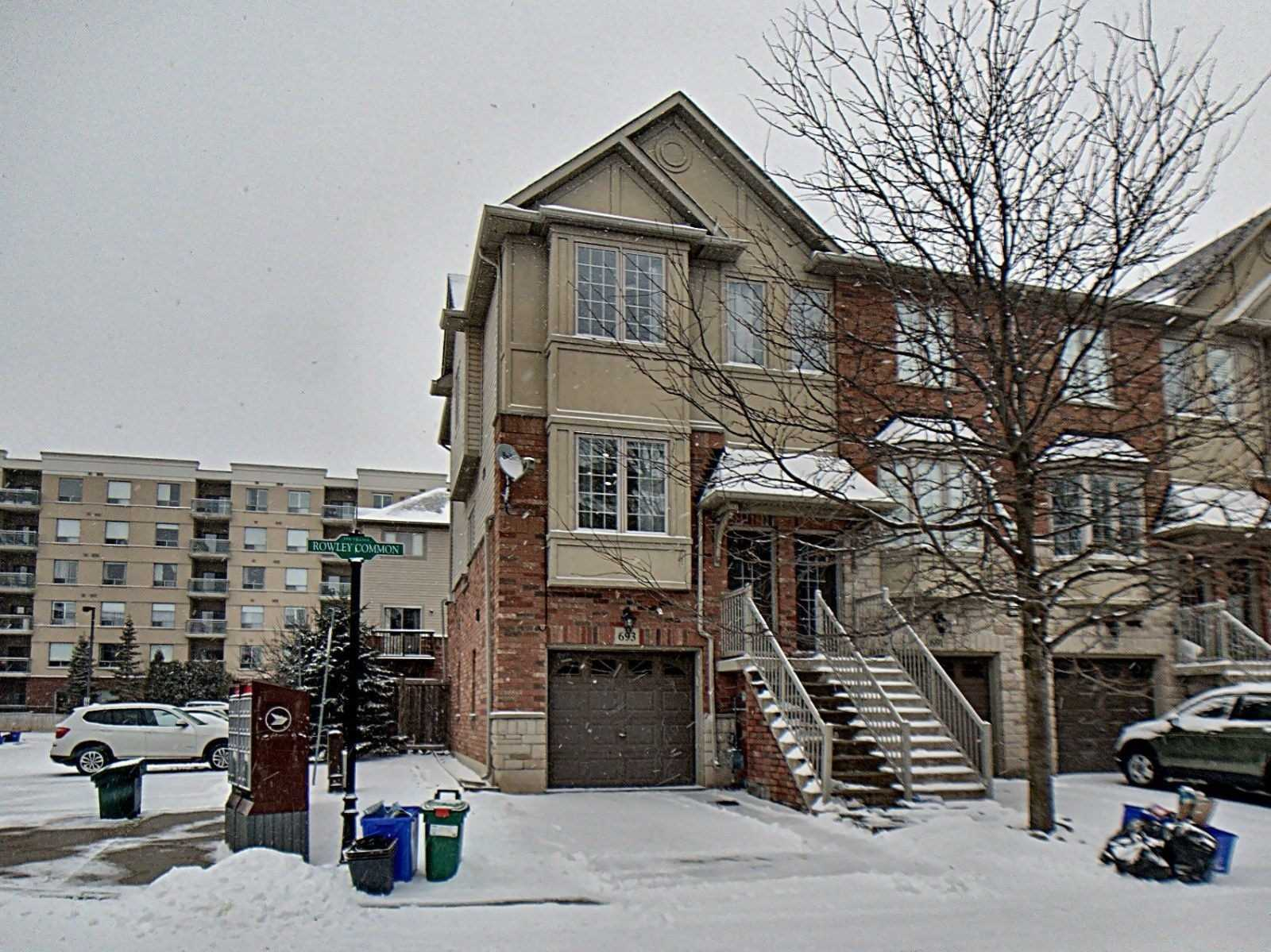 pictures of house for sale MLS: W4686020 located at 693 Rowley Common, Burlington L7L0A5