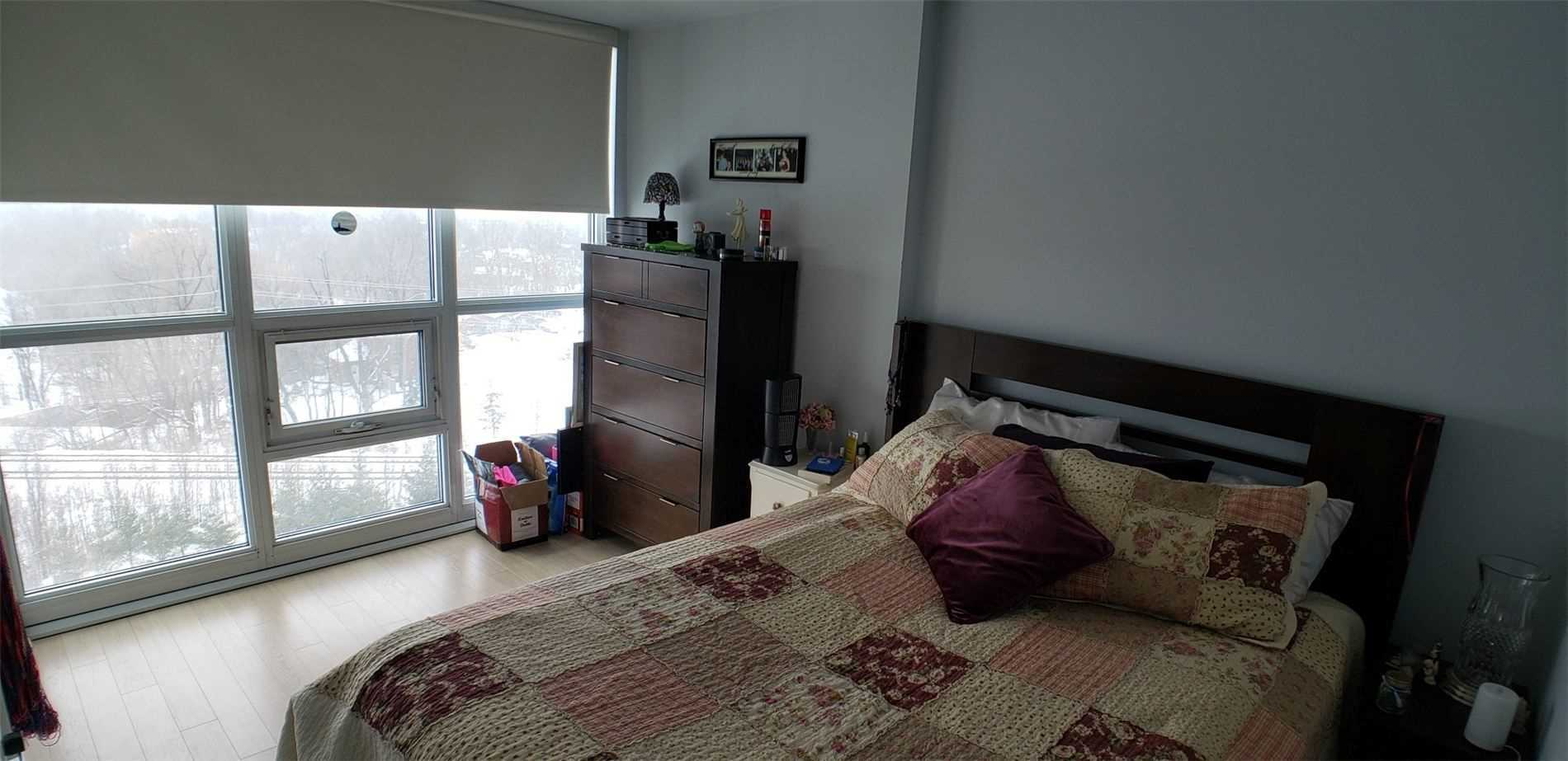 Image 6 of 15 showing inside of 1 Bedroom Condo Apt Apartment for Sale at 100 John St Unit# 803, Brampton L6W0A8