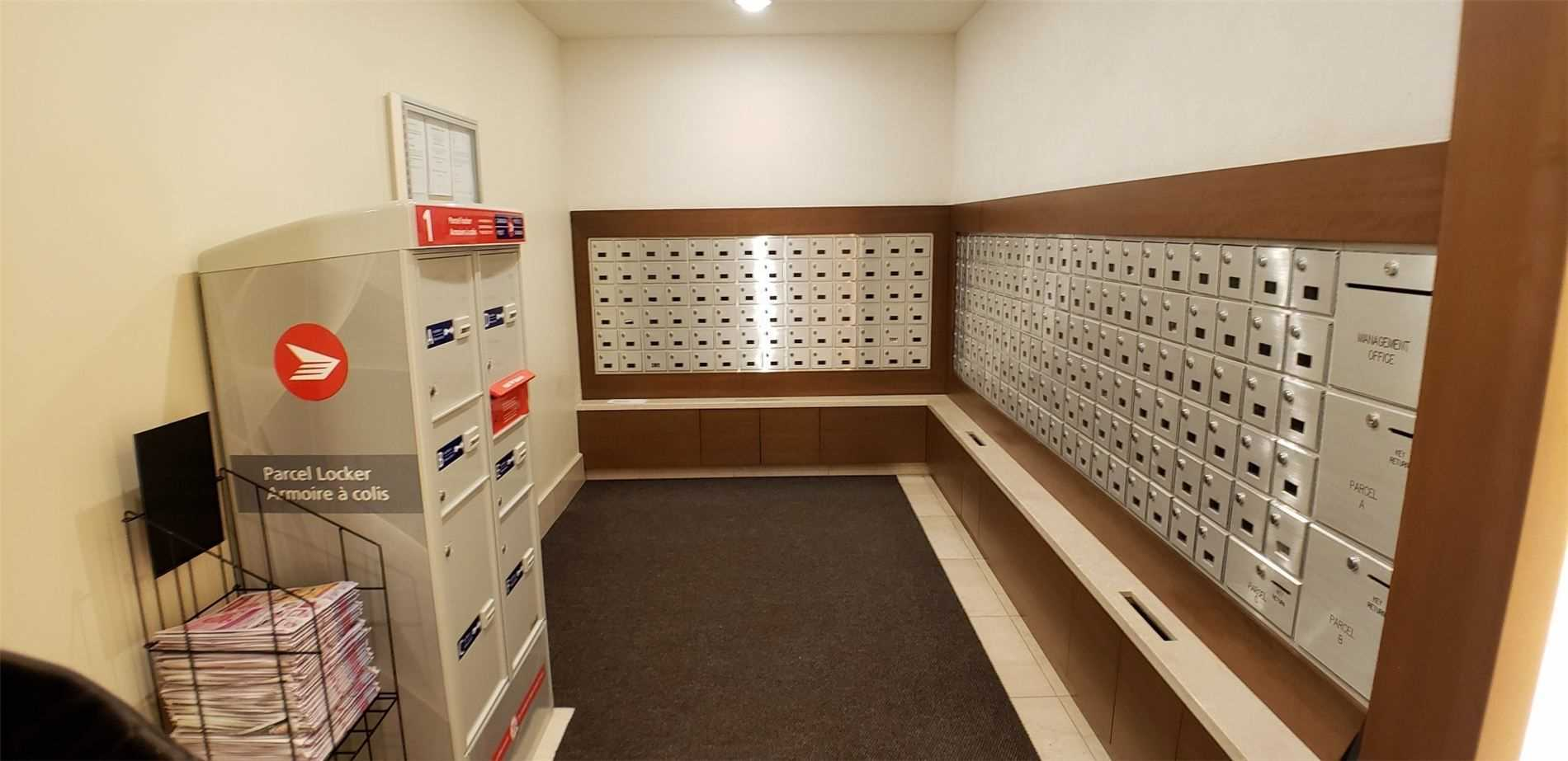 Image 12 of 15 showing inside of 1 Bedroom Condo Apt Apartment for Sale at 100 John St Unit# 803, Brampton L6W0A8