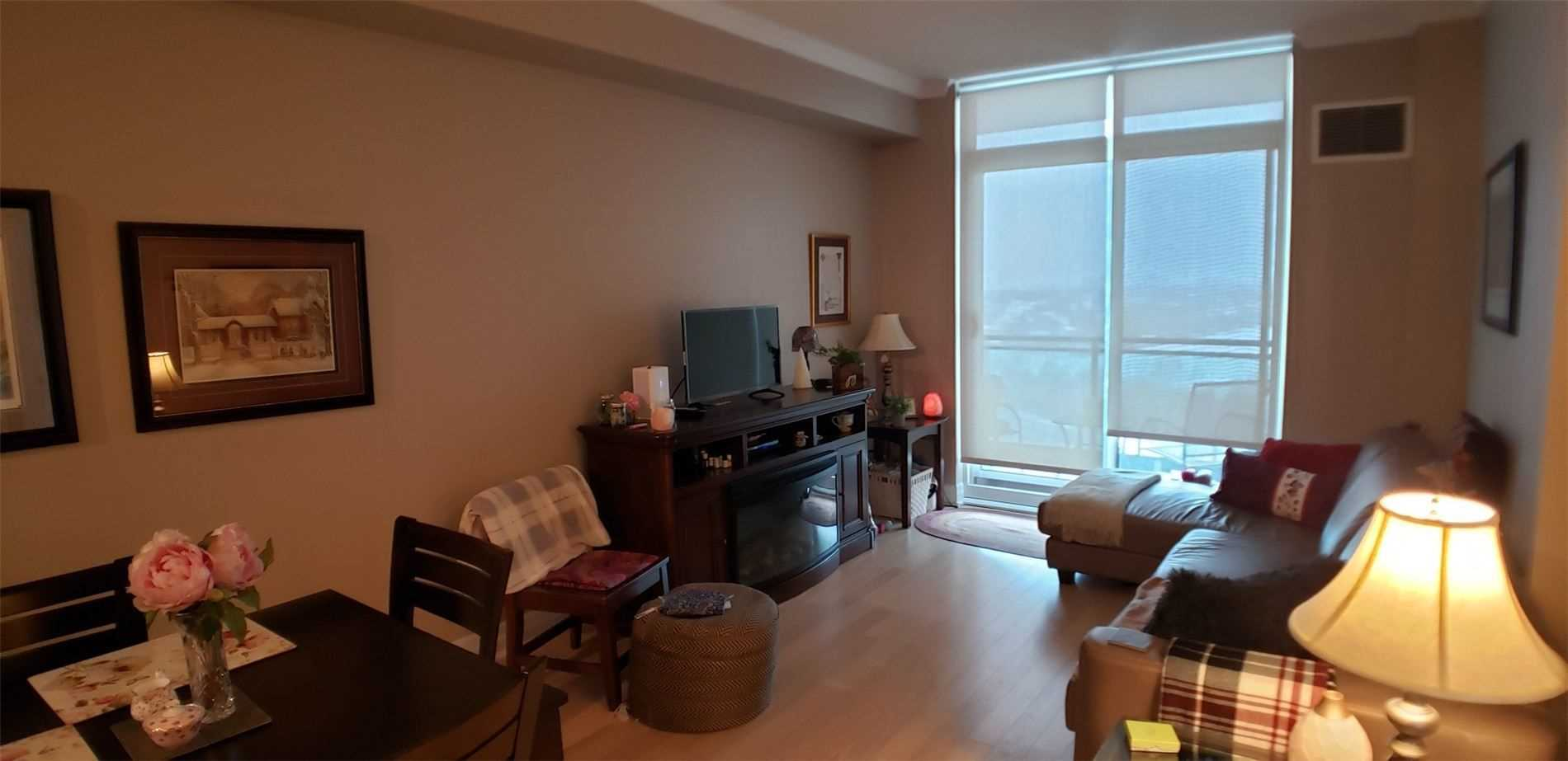 Image 15 of 15 showing inside of 1 Bedroom Condo Apt Apartment for Sale at 100 John St Unit# 803, Brampton L6W0A8