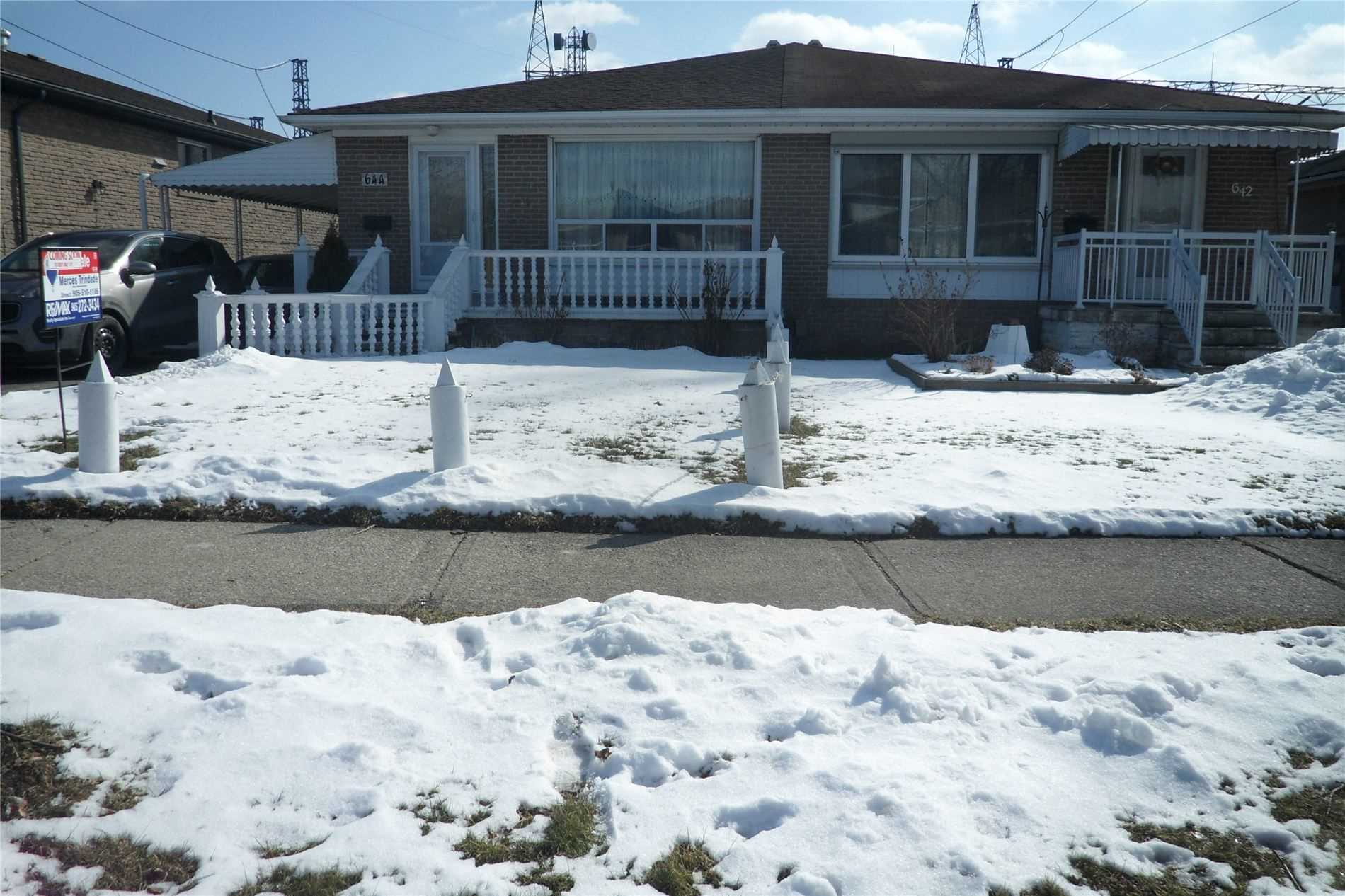 pictures of house for sale MLS: W4693834 located at 644 Abana Rd, Mississauga L5A1H4