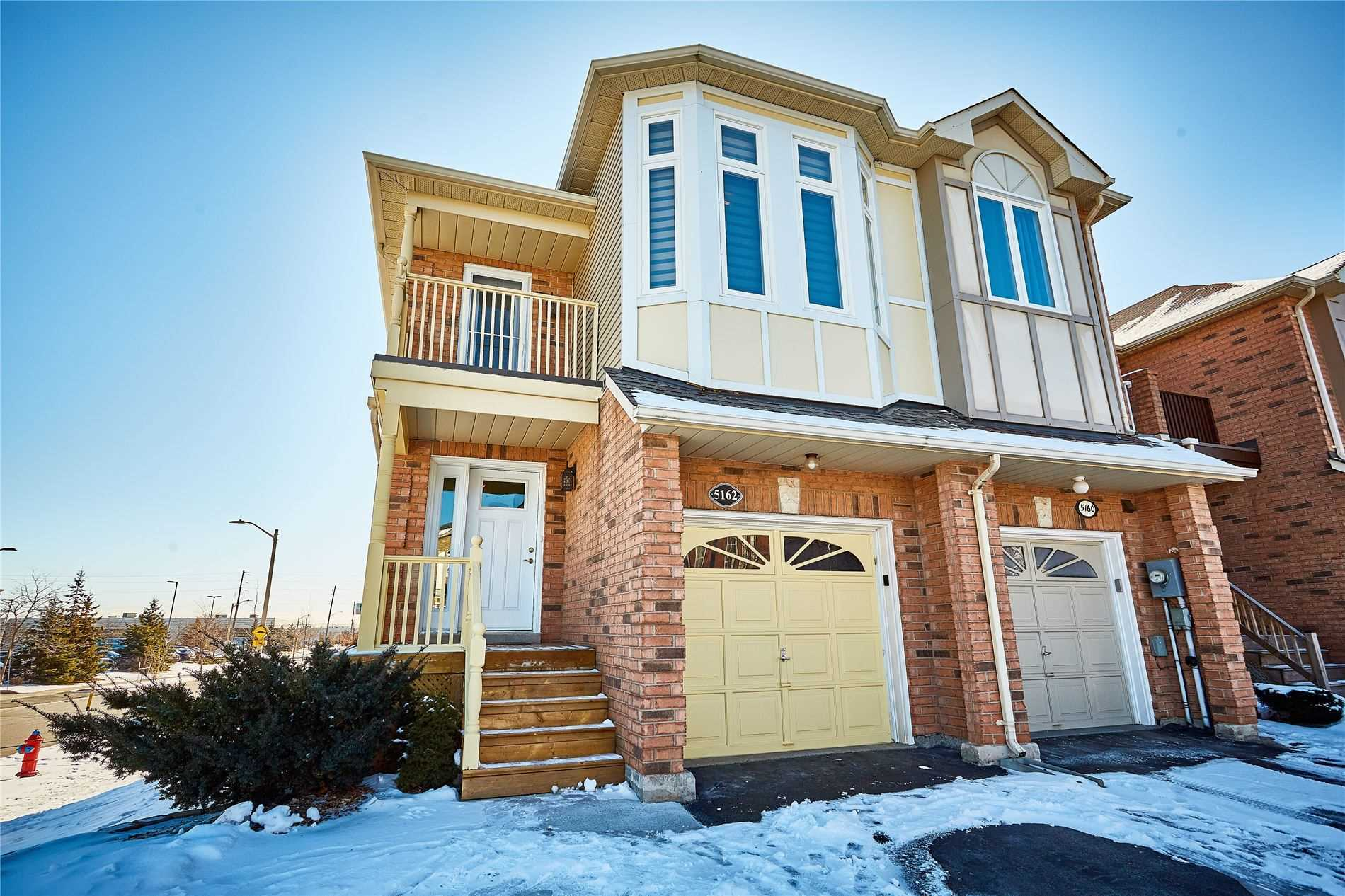 pictures of house for sale MLS: W4694740 located at 5162 Lampman Ave, Burlington L7L6K1