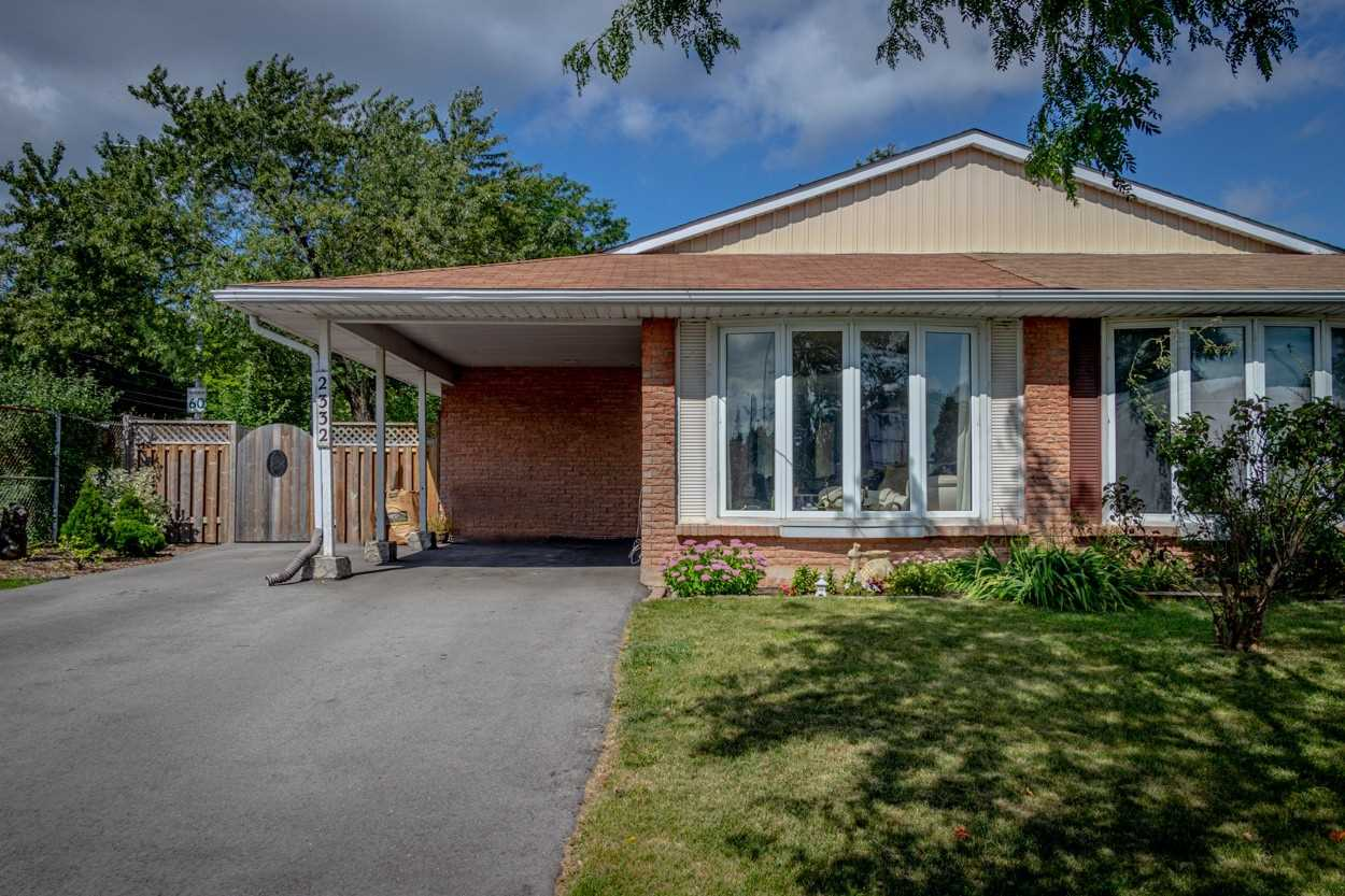 pictures of house for sale MLS: W4694805 located at 2332 Greenbank Tr, Burlington L7P3S8