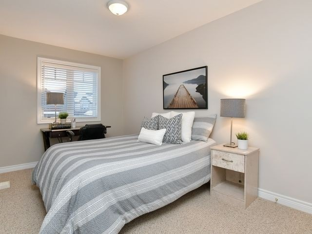 Image 10 of 20 showing inside of 3 Bedroom Att/Row/Twnhouse 2-Storey house for sale at 82 Preston Dr, Orangeville L9W0C9