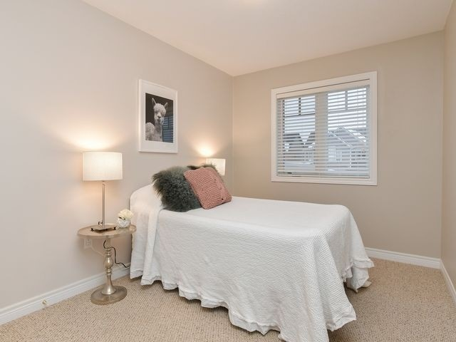 Image 11 of 20 showing inside of 3 Bedroom Att/Row/Twnhouse 2-Storey house for sale at 82 Preston Dr, Orangeville L9W0C9