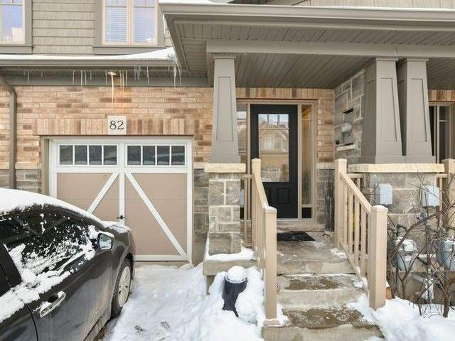 Image 12 of 20 showing inside of 3 Bedroom Att/Row/Twnhouse 2-Storey house for sale at 82 Preston Dr, Orangeville L9W0C9