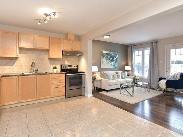 Image 15 of 20 showing inside of 3 Bedroom Att/Row/Twnhouse 2-Storey house for sale at 82 Preston Dr, Orangeville L9W0C9