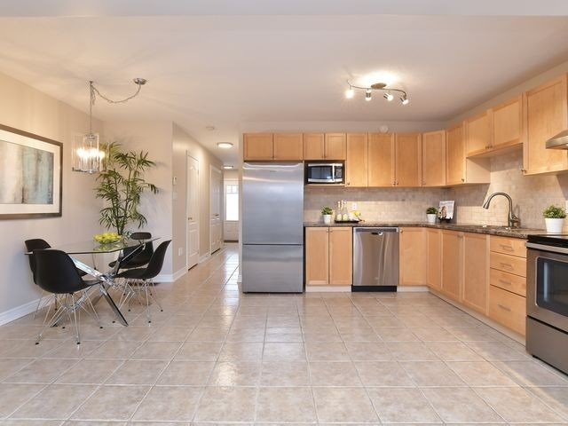 Image 20 of 20 showing inside of 3 Bedroom Att/Row/Twnhouse 2-Storey house for sale at 82 Preston Dr, Orangeville L9W0C9