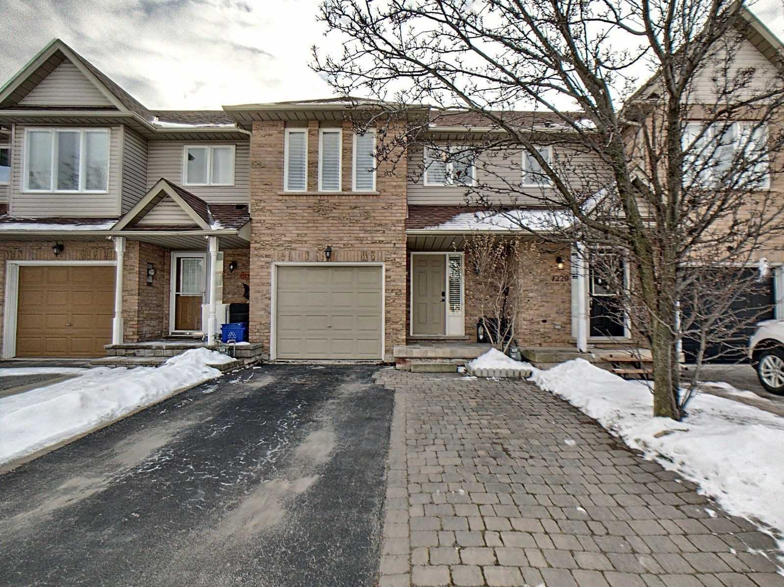 pictures of house for sale MLS: W4696477 located at 1231 Blanshard Dr, Burlington L7M4N6
