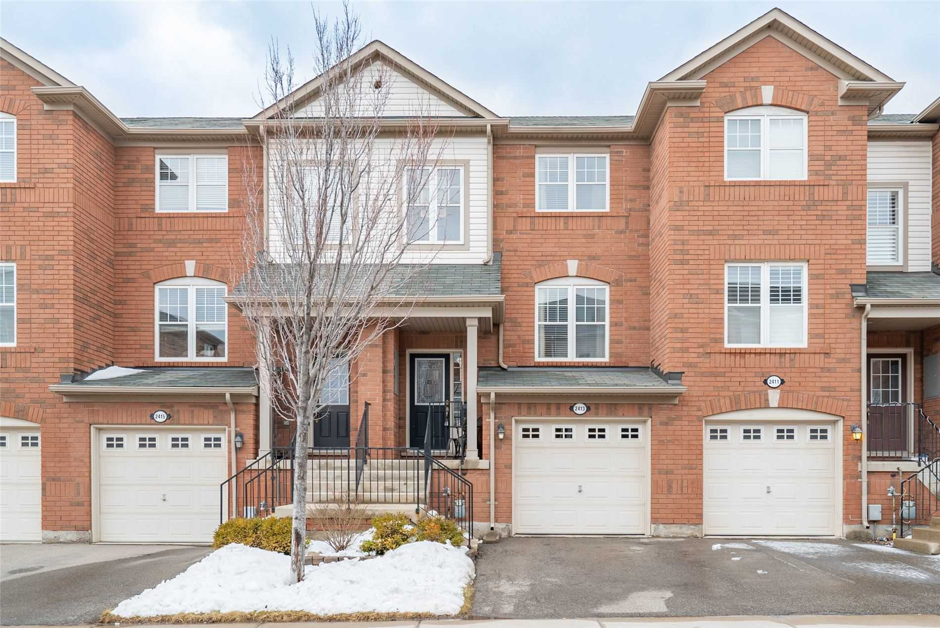 pictures of house for sale MLS: W4697959 located at 2413 Coho Way, Oakville L6M0G6