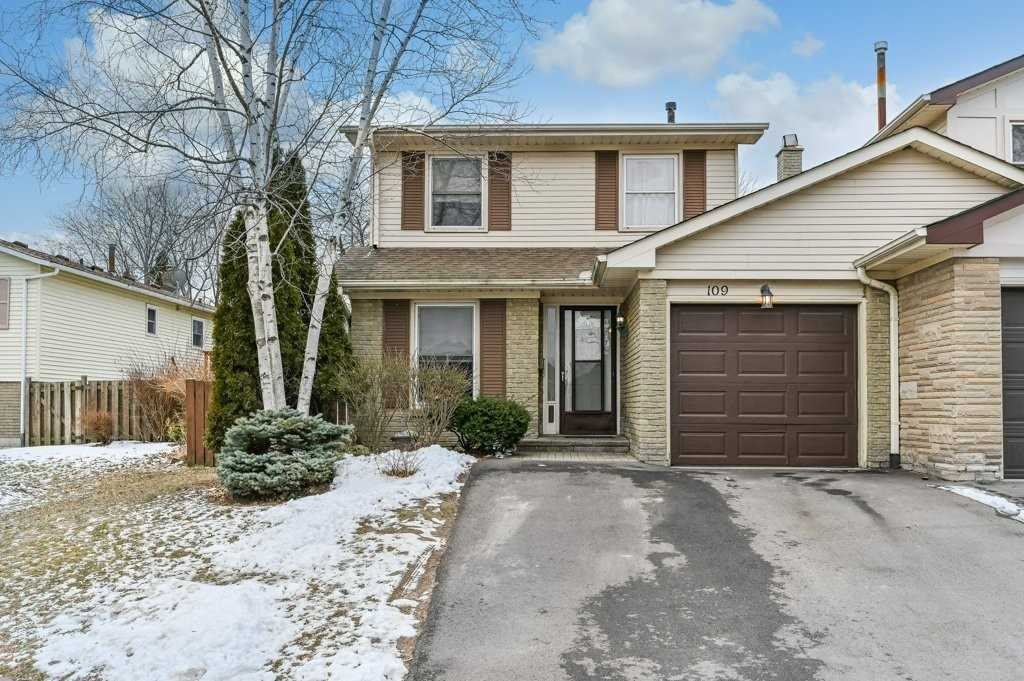 pictures of house for sale MLS: W4698078 located at 109 Fairwood Pl W, Burlington L7T4E4