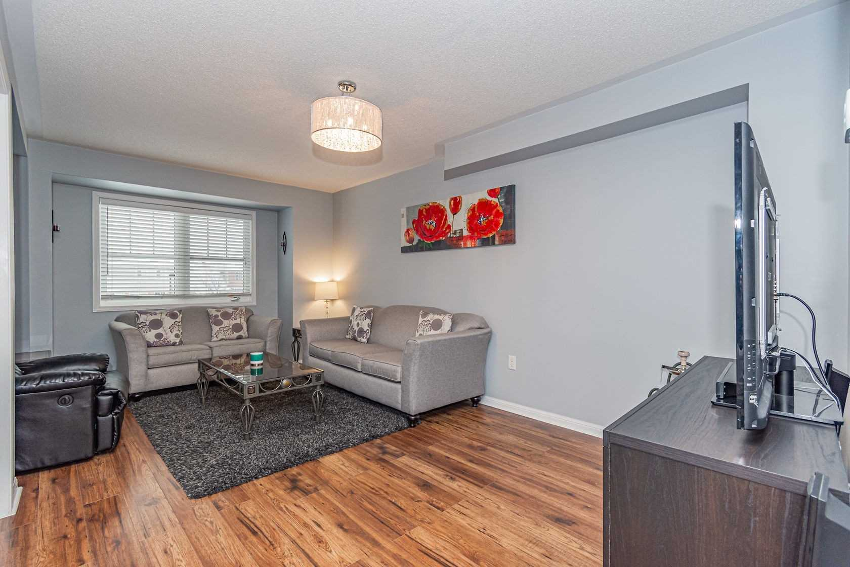 Image 7 of 20 showing inside of 3 Bedroom Att/Row/Twnhouse 3-Storey house for sale at 912 Ambroise Cres, Milton L9T0M2