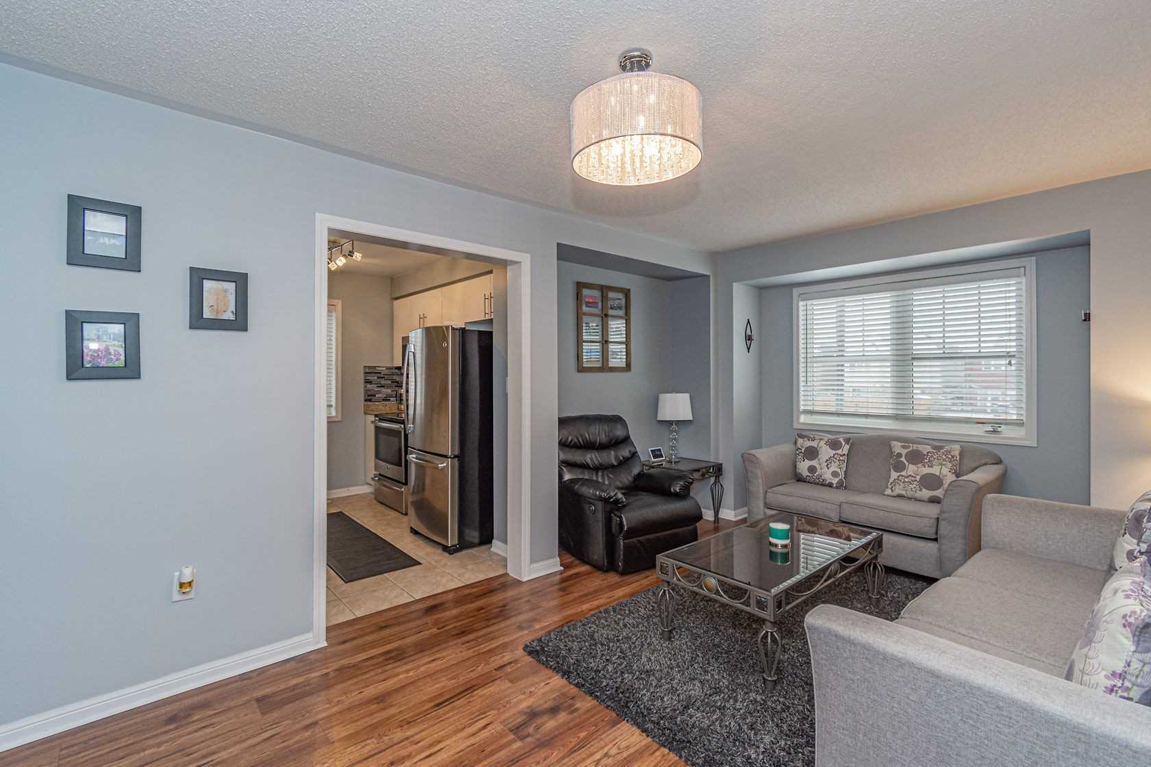 Image 8 of 20 showing inside of 3 Bedroom Att/Row/Twnhouse 3-Storey house for sale at 912 Ambroise Cres, Milton L9T0M2