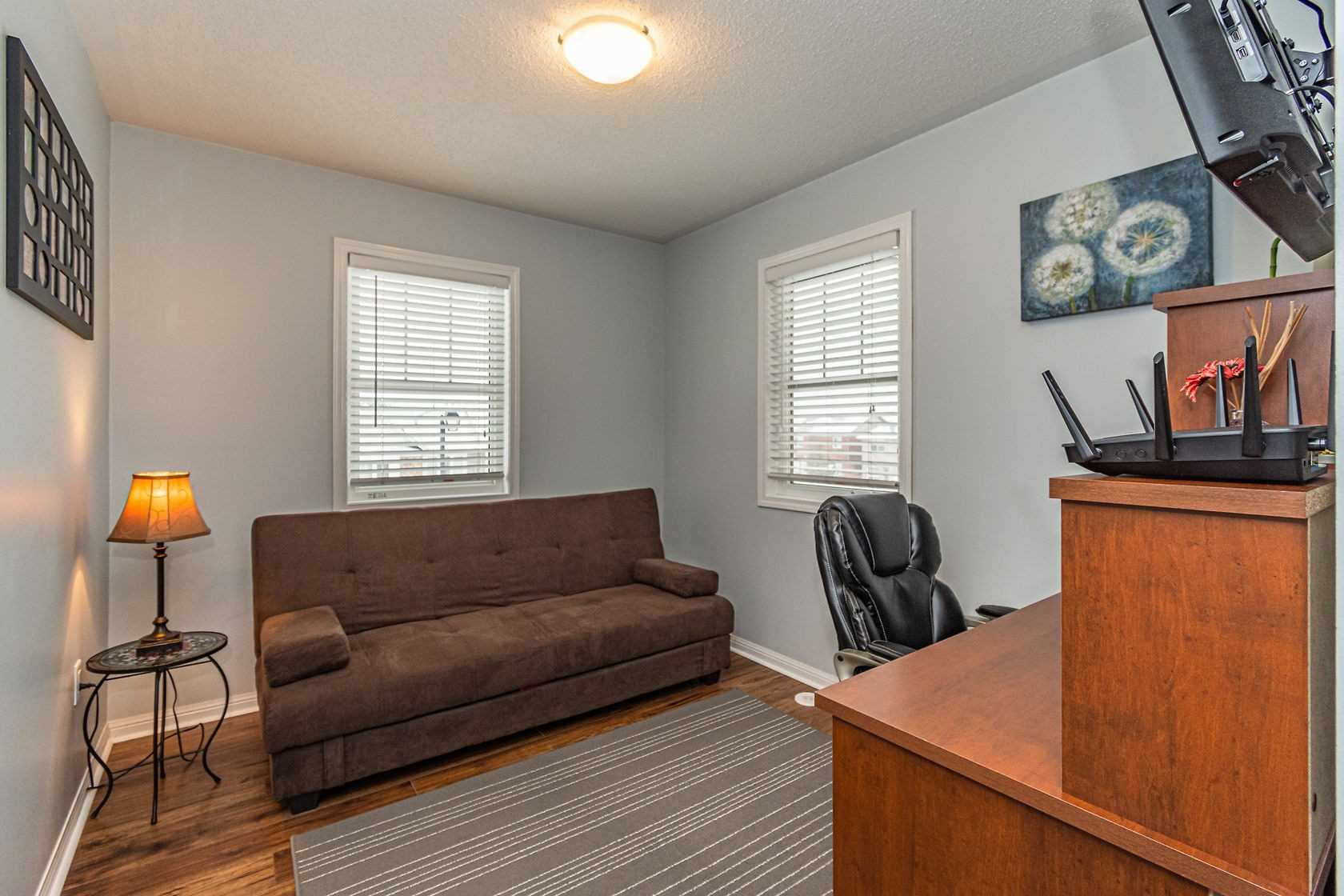 Image 10 of 20 showing inside of 3 Bedroom Att/Row/Twnhouse 3-Storey house for sale at 912 Ambroise Cres, Milton L9T0M2