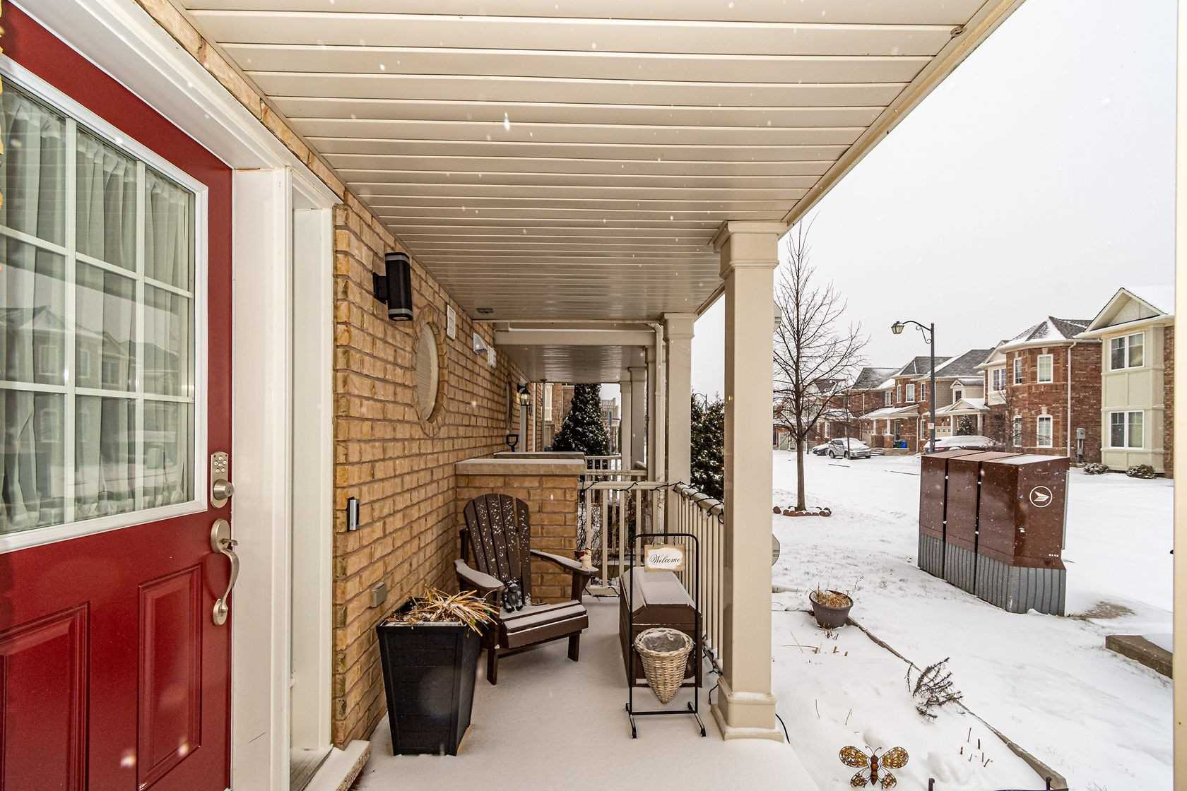 Image 14 of 20 showing inside of 3 Bedroom Att/Row/Twnhouse 3-Storey house for sale at 912 Ambroise Cres, Milton L9T0M2