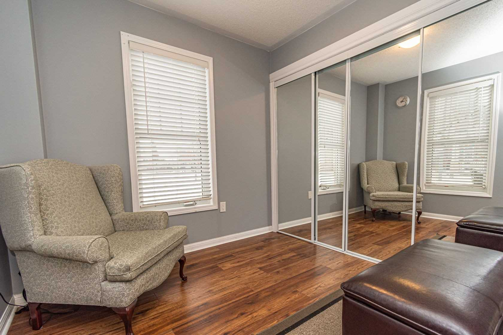 Image 15 of 20 showing inside of 3 Bedroom Att/Row/Twnhouse 3-Storey house for sale at 912 Ambroise Cres, Milton L9T0M2