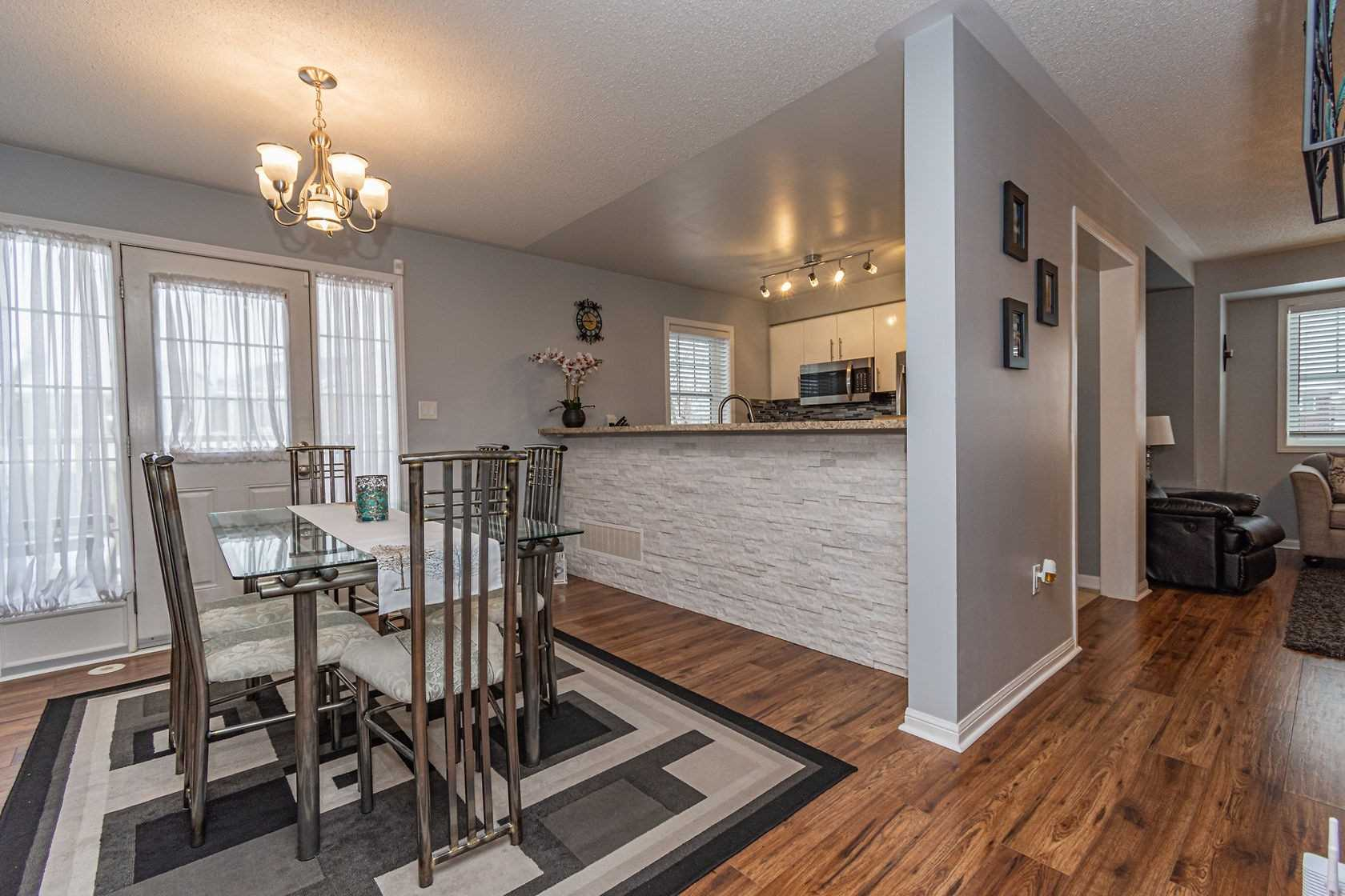 Image 17 of 20 showing inside of 3 Bedroom Att/Row/Twnhouse 3-Storey house for sale at 912 Ambroise Cres, Milton L9T0M2