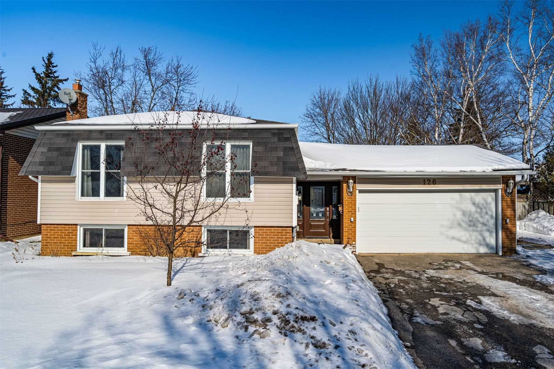 pictures of house for sale MLS: W4699893 located at 126 Morgandale Cres, Orangeville L9W3C7