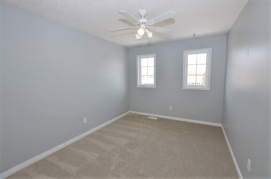 Image 2 of 13 showing inside of 3 Bedroom Att/Row/Twnhouse 2-Storey house for sale at 160 Montgomery Blvd, Orangeville L9W5B8