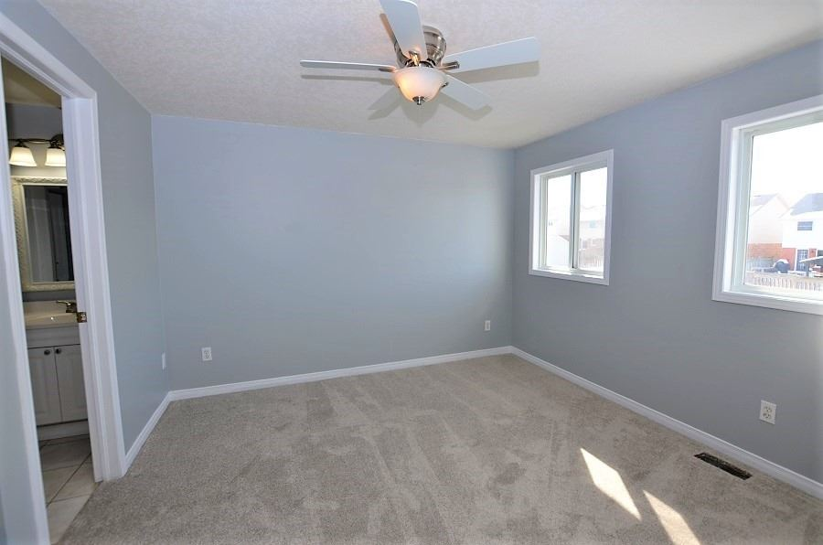 Image 11 of 13 showing inside of 3 Bedroom Att/Row/Twnhouse 2-Storey house for sale at 160 Montgomery Blvd, Orangeville L9W5B8
