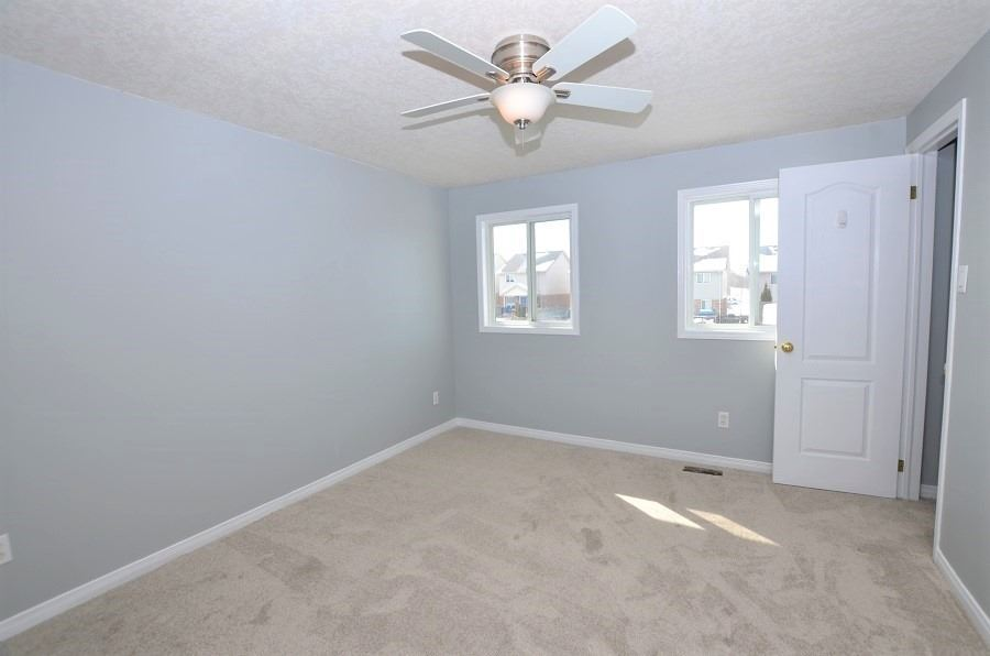 Image 12 of 13 showing inside of 3 Bedroom Att/Row/Twnhouse 2-Storey house for sale at 160 Montgomery Blvd, Orangeville L9W5B8