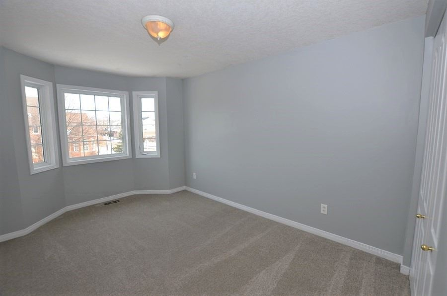 Image 13 of 13 showing inside of 3 Bedroom Att/Row/Twnhouse 2-Storey house for sale at 160 Montgomery Blvd, Orangeville L9W5B8