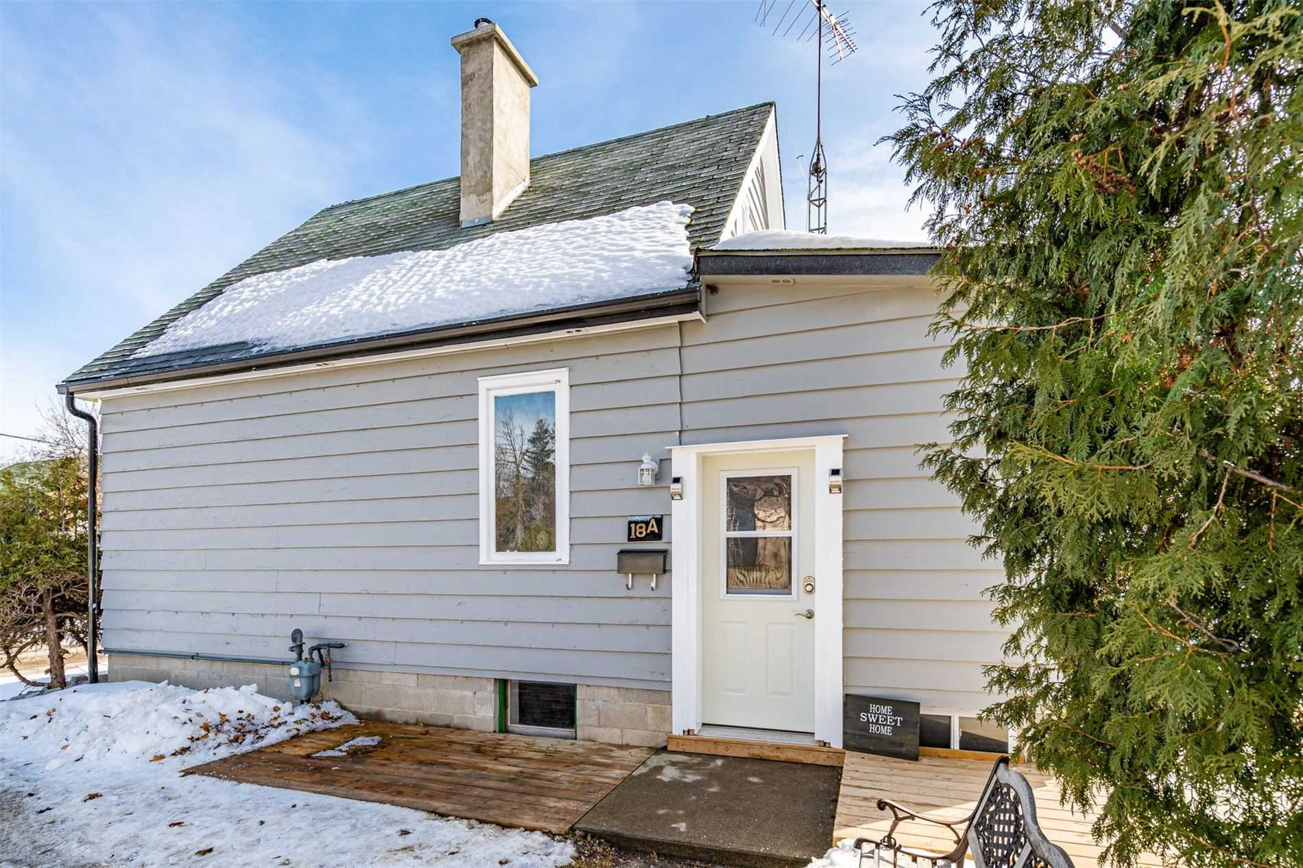 pictures of house for sale MLS: W4701114 located at 18A Margaret St, Orangeville L9W2N4