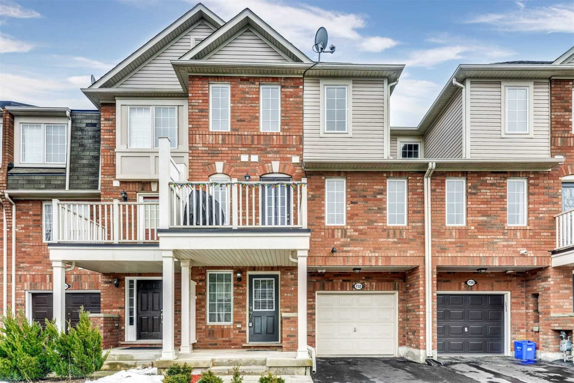 pictures of house for sale MLS: W4702306 located at 732 Shortreed Cres, Milton L9T0E9