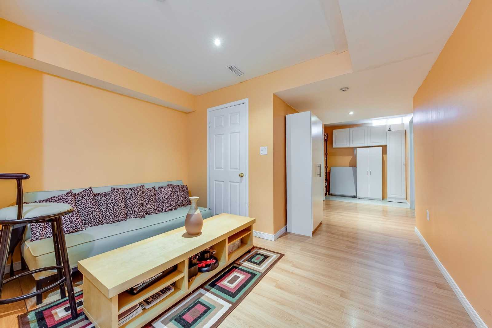 Image 6 of 20 showing inside of 3 Bedroom Att/Row/Twnhouse 2-Storey house for sale at 682 Edwards Ave, Milton L9T6B3