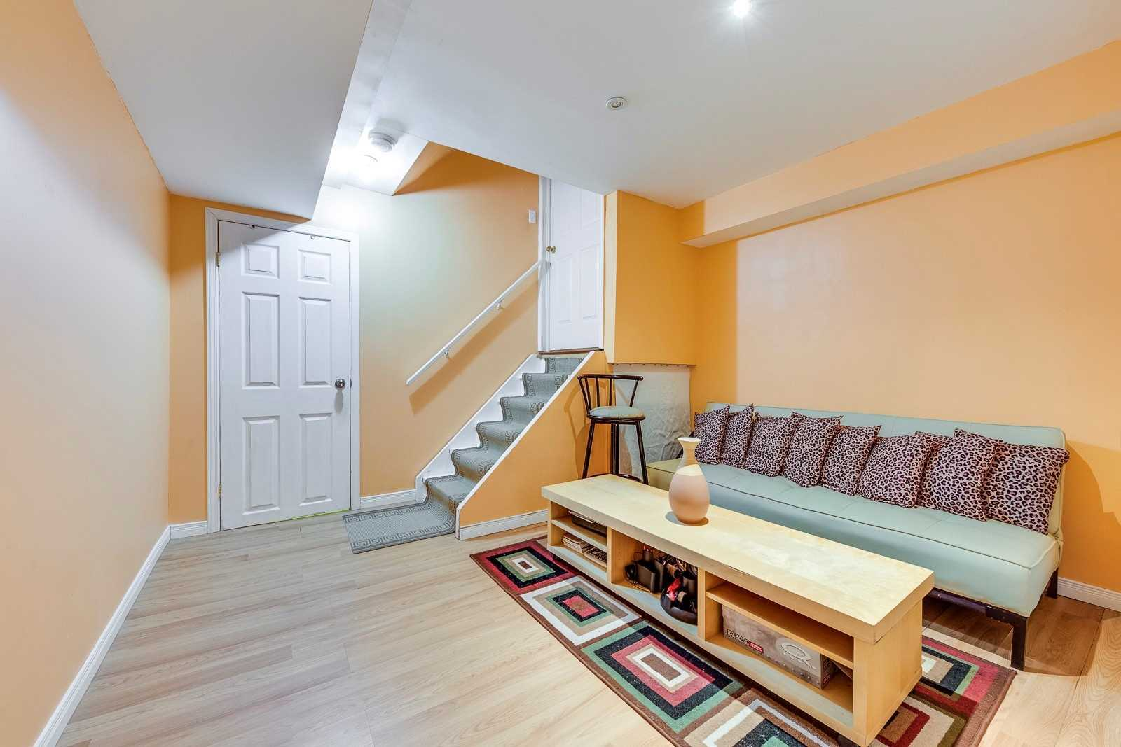 Image 7 of 20 showing inside of 3 Bedroom Att/Row/Twnhouse 2-Storey house for sale at 682 Edwards Ave, Milton L9T6B3