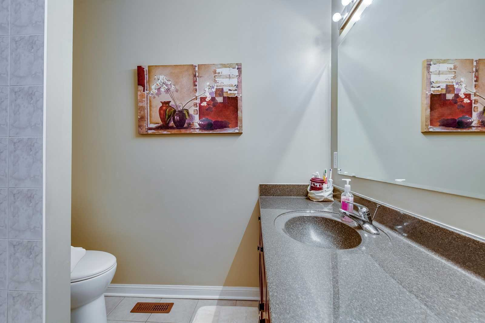 Image 10 of 20 showing inside of 3 Bedroom Att/Row/Twnhouse 2-Storey house for sale at 682 Edwards Ave, Milton L9T6B3
