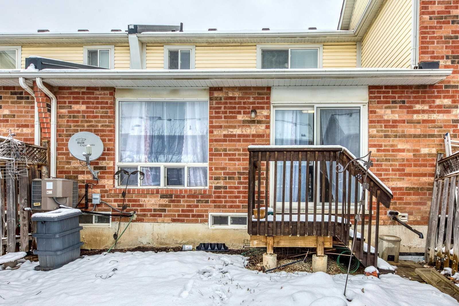 Image 13 of 20 showing inside of 3 Bedroom Att/Row/Twnhouse 2-Storey house for sale at 682 Edwards Ave, Milton L9T6B3