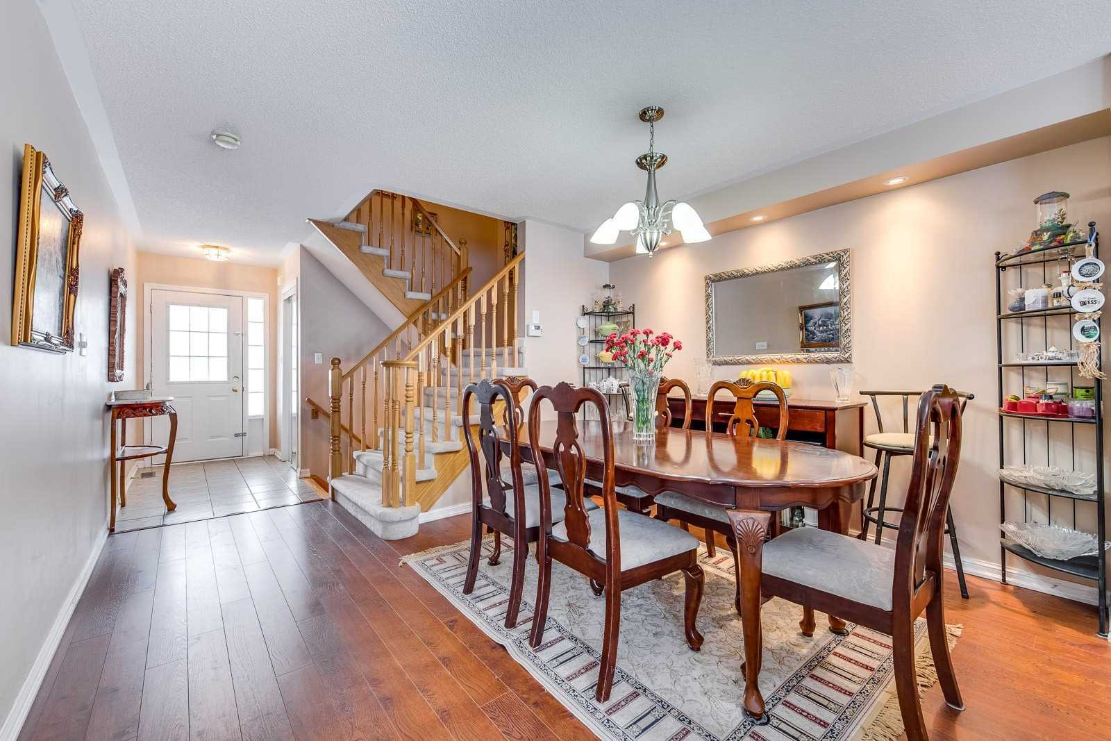 Image 15 of 20 showing inside of 3 Bedroom Att/Row/Twnhouse 2-Storey house for sale at 682 Edwards Ave, Milton L9T6B3